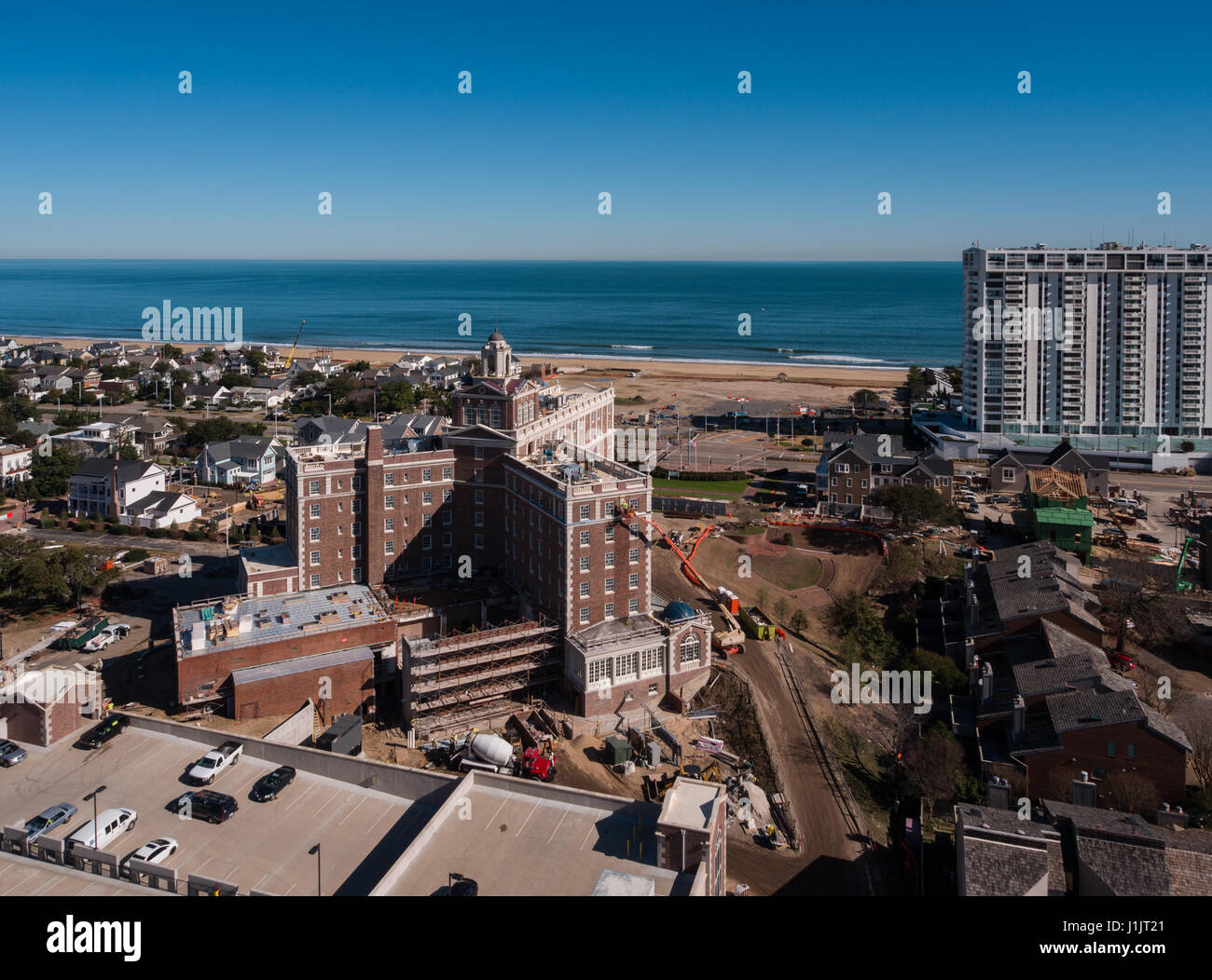 Cavalier on the Hill aerial from Holly St looking east with Atlantic Ocean in the background - Stock Image