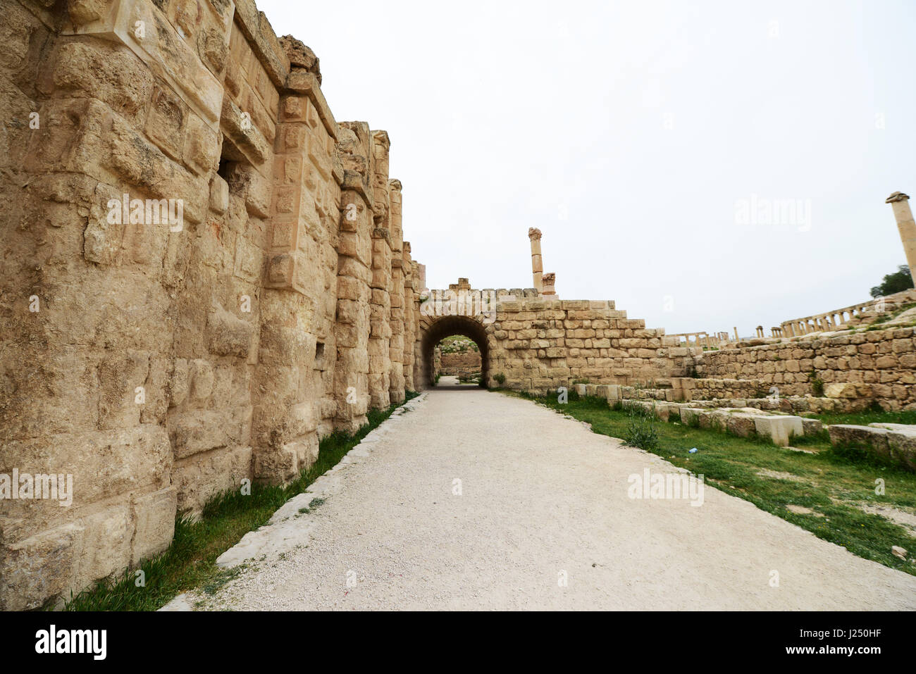 The path leading to the South gate in the ancient Roman city of Jerash in Jordan. - Stock Image