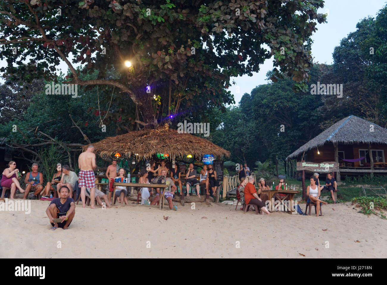 Banana Resort, Beach bar, Buffallo Bay, Ao Khao Kwai,   sunset, Happy Hour, Cocktail Bar, Koh Phayam, Thailand - Stock Image
