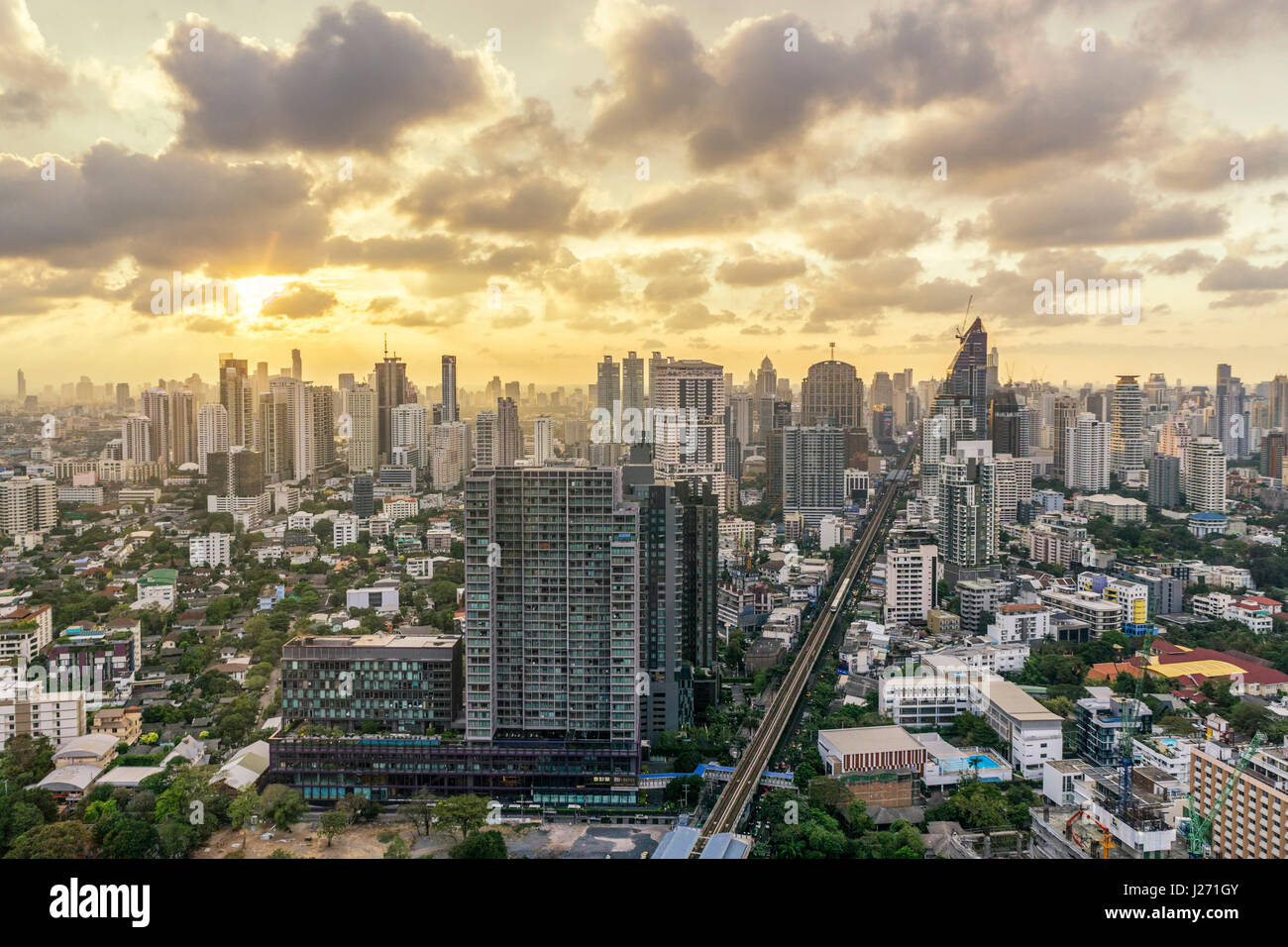 View from Octave Rooftop Bar, Marriot Hotel Sukhumvit, skyline , view point, skybar, Lounge, rooftop, bar, Bangkok, - Stock Image
