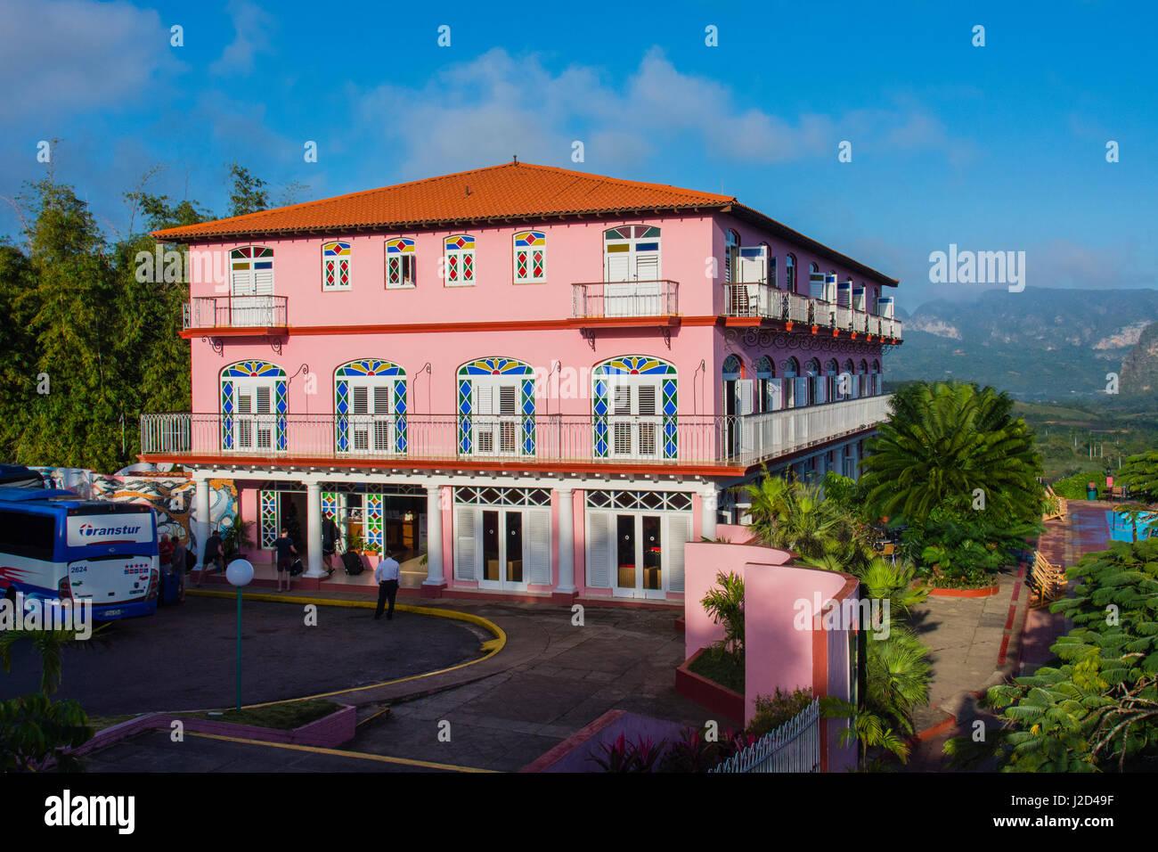 Cuba. Pinar del Rio. Vinales. Hotel Los Jazmines overlooking the Vinales valley. - Stock-Bilder
