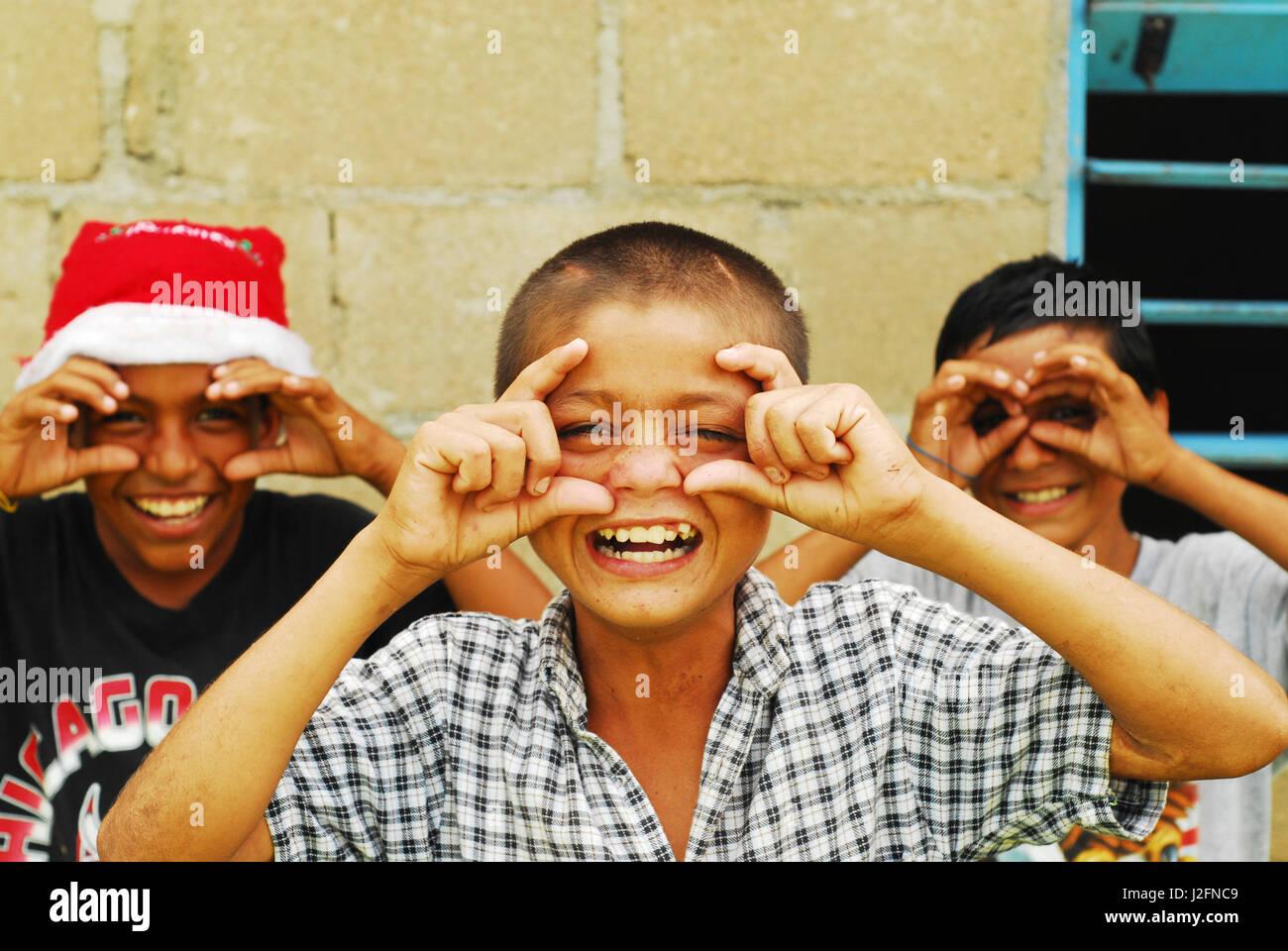 Belize, El Progreso, 3 friends at school - Stock-Bilder