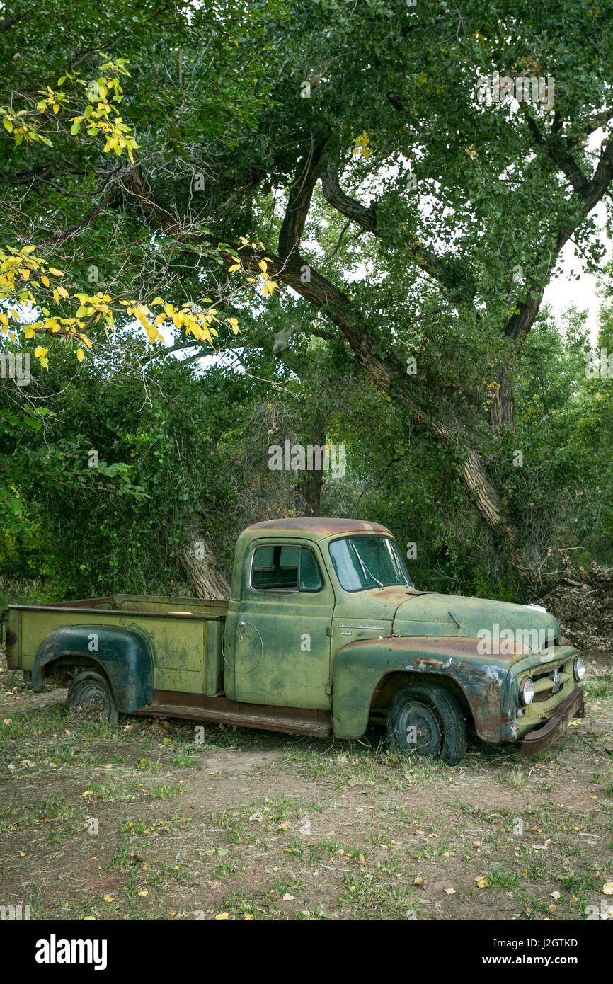Abiquiu, New Mexico. Vintage International truck. Georgia O'Keefe country, - Stock Image