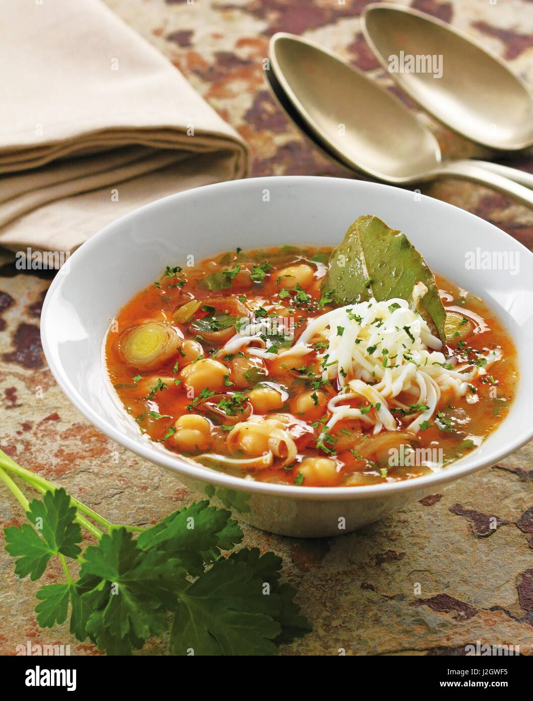 Hearty Spinach And Chickpea Soup Recipe — Dishmaps