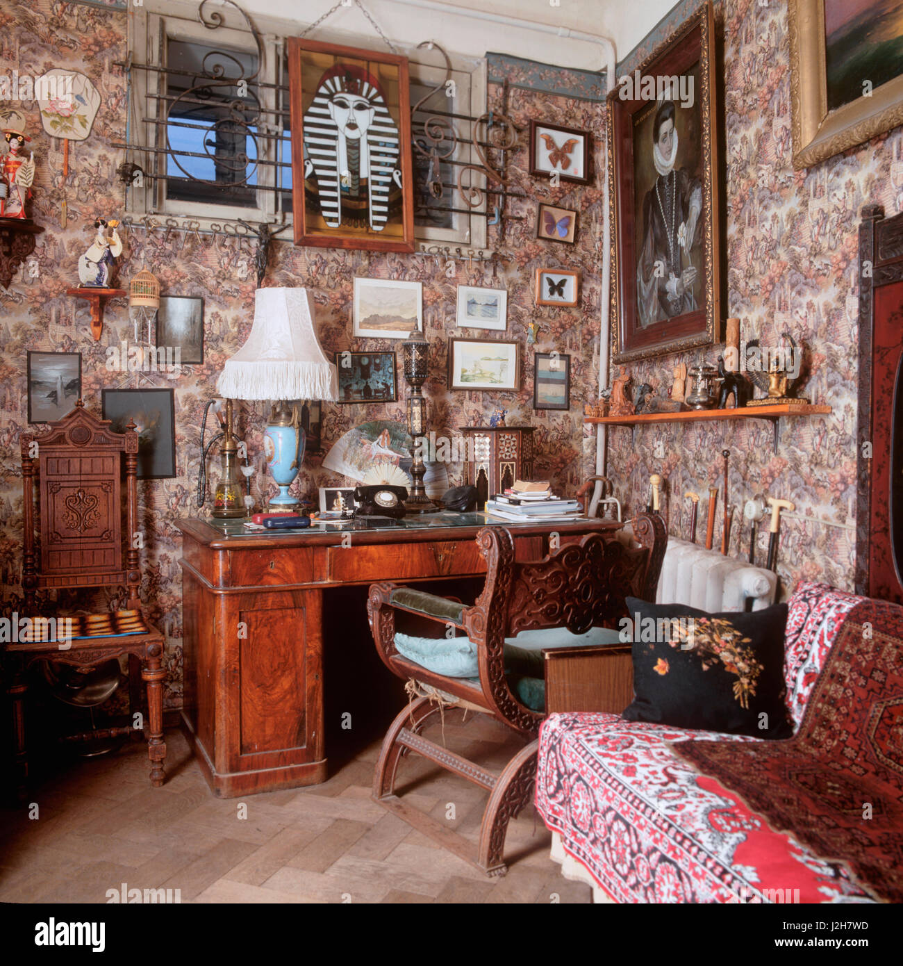 Victorian Study Room: Victorian Study Stock Photos & Victorian Study Stock