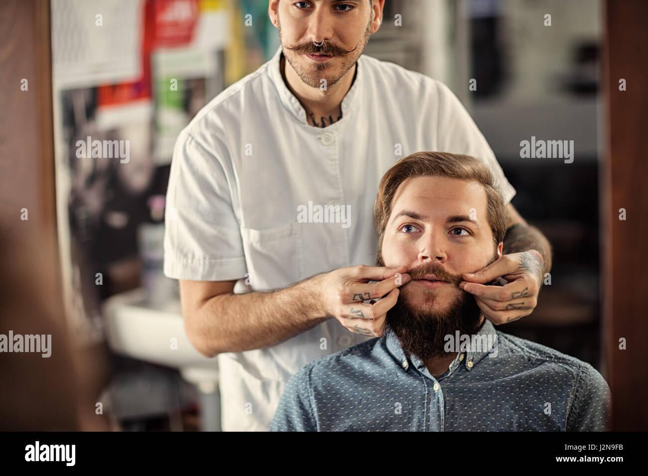 male hairdresser shave stock photos male hairdresser shave stock images alamy. Black Bedroom Furniture Sets. Home Design Ideas