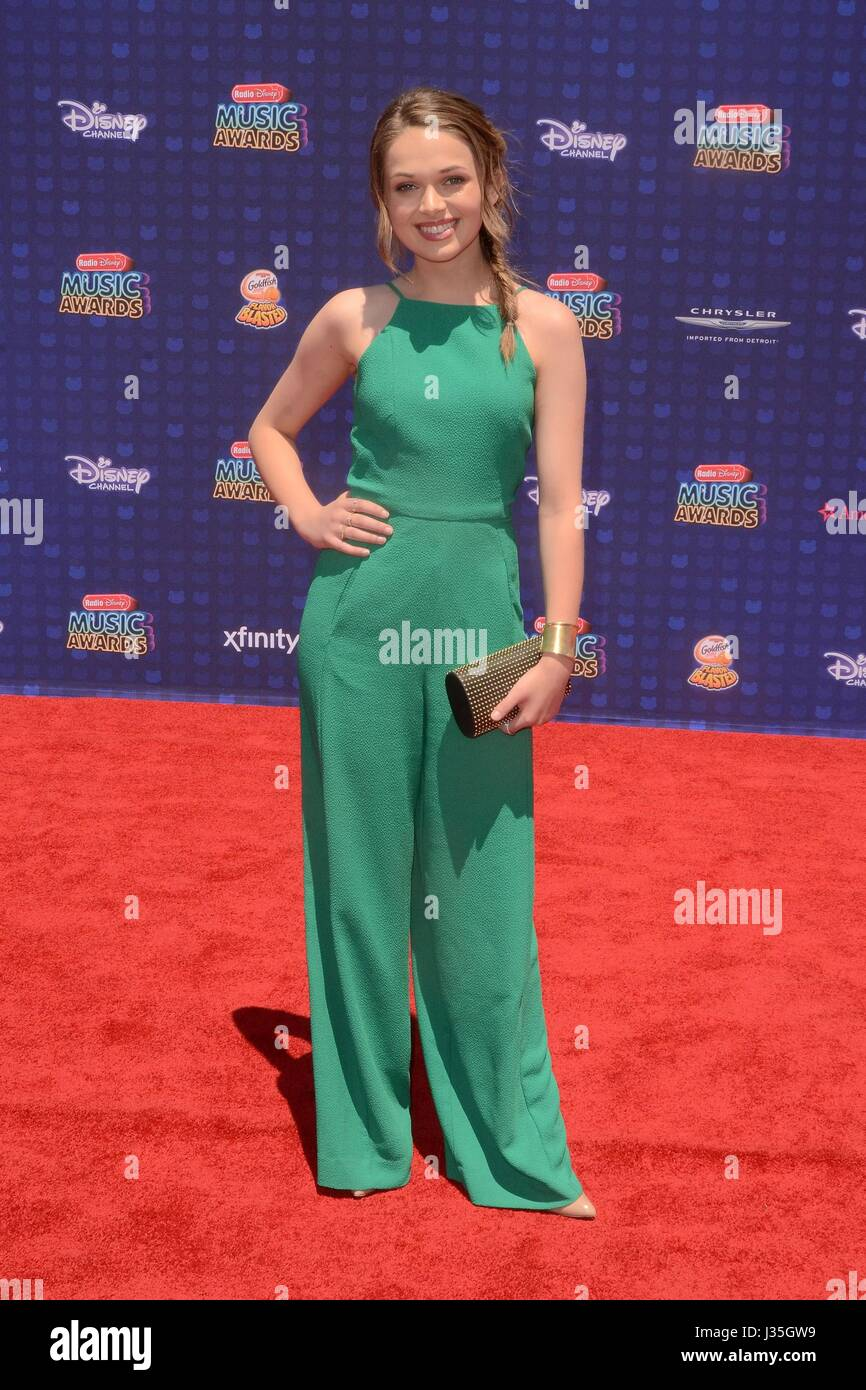 Alyssa Jirrels at arrivals for Radio Disney Music Awards - ARRIVALS, Microsoft Theater, Los Angeles, CA April 29, - Stock-Bilder