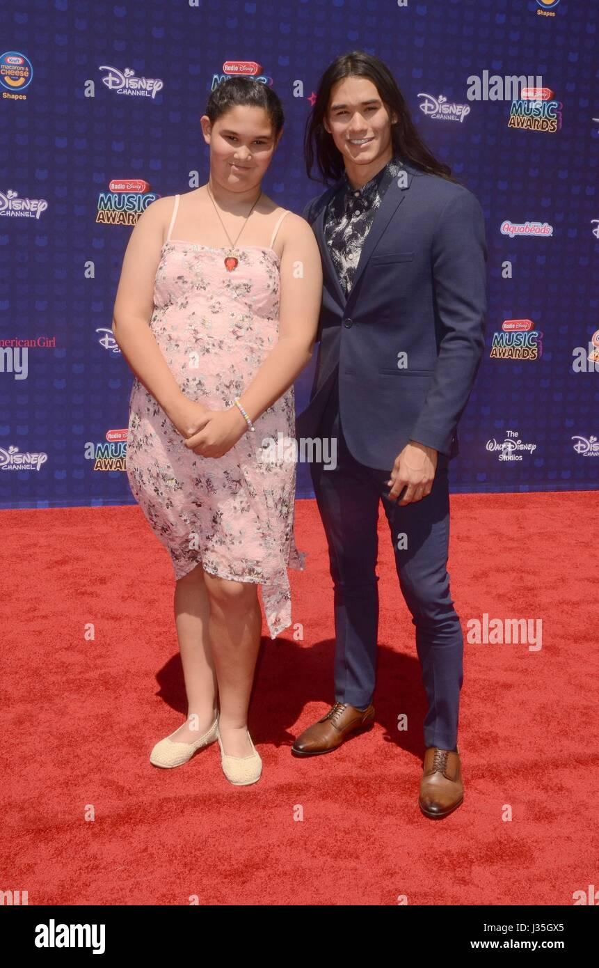 Sage Stewart, Booboo Stewart at arrivals for Radio Disney Music Awards - ARRIVALS, Microsoft Theater, Los Angeles, - Stock-Bilder