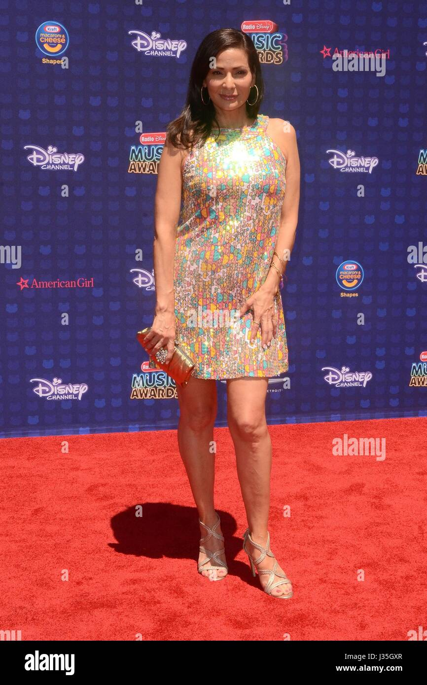 Constance Marie at arrivals for Radio Disney Music Awards - ARRIVALS, Microsoft Theater, Los Angeles, CA April 29, - Stock-Bilder