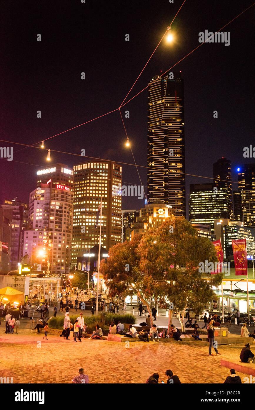 Night view from the Victorian Arts Centre in Melbourne Australia - Stock-Bilder