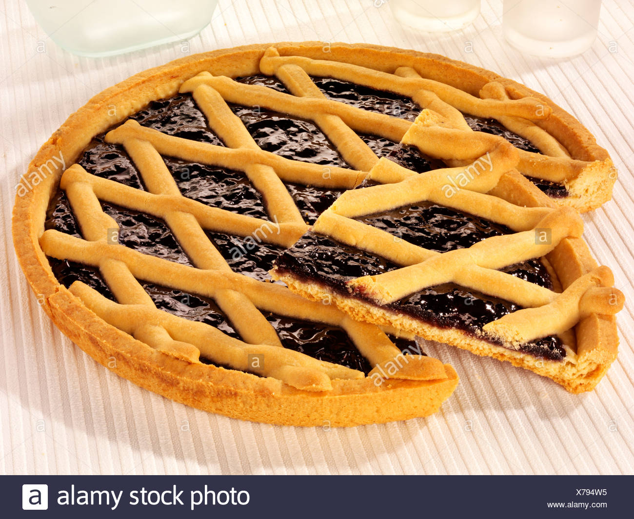 how to cut lattice pastry