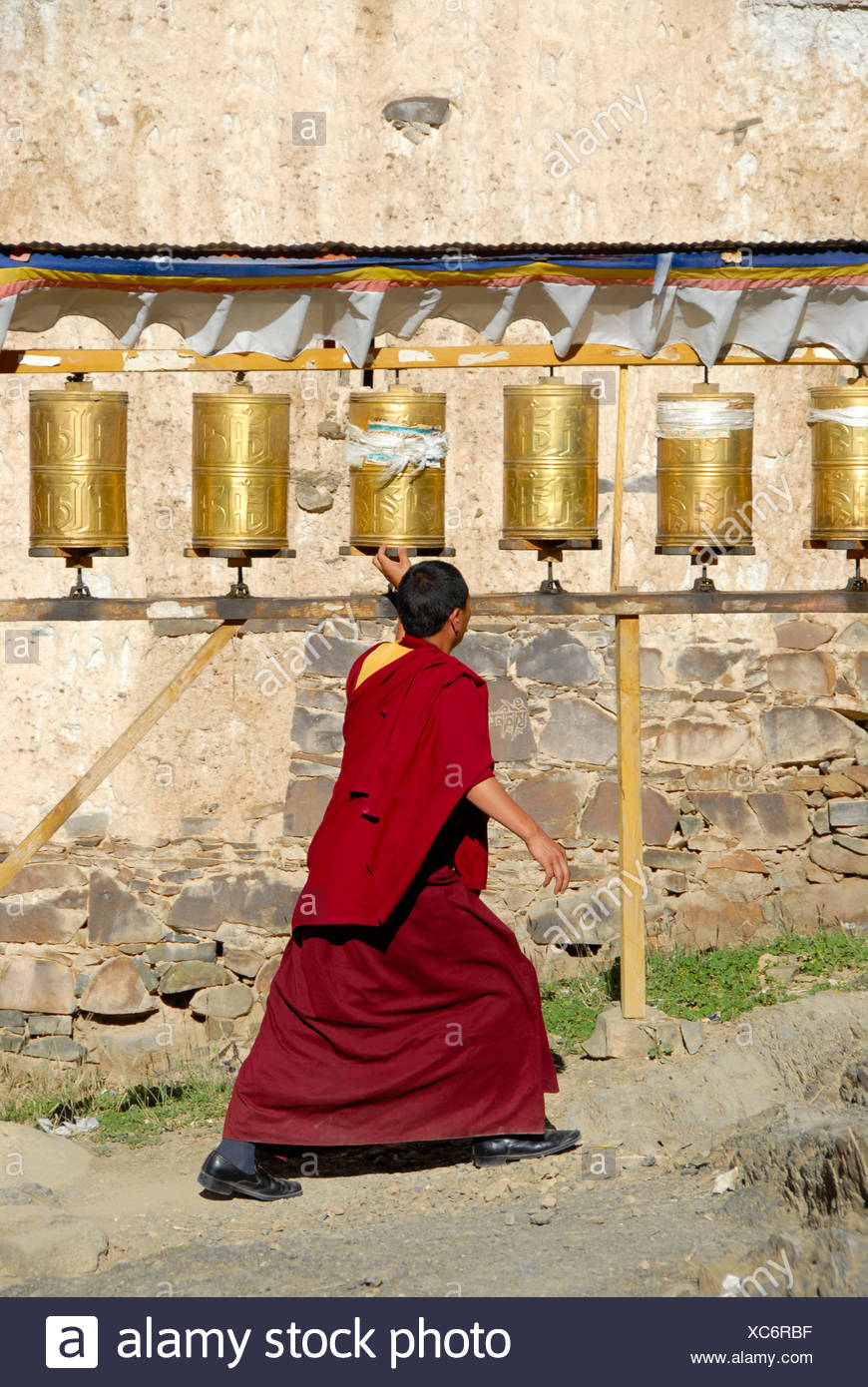 white mills buddhist single women Women in buddhism is a topic that can be approached from varied perspectives including those of theology, history, anthropology and feminism topical interests include the theological status of women, the treatment of women in buddhist societies at home and in public, the history of women in buddhism, and a comparison of the experiences of women.