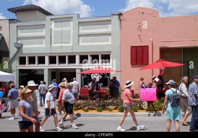 Florida Brooksville Florida Blueberry Festival annual event Main Street renovated historic buildings family - Stock Image