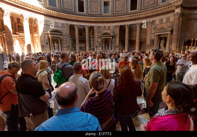 Crowds of people inside the Pantheon, Rome Italy - Stock Image