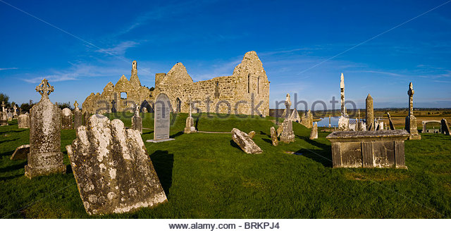 Irish ancient abbey at Clonmacnoise - Stock Image