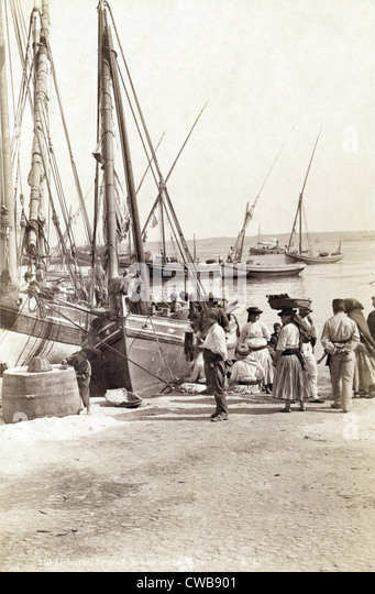 Fishing boats in Lisbon, Portugal, circa late 1800s. - Stock-Bilder