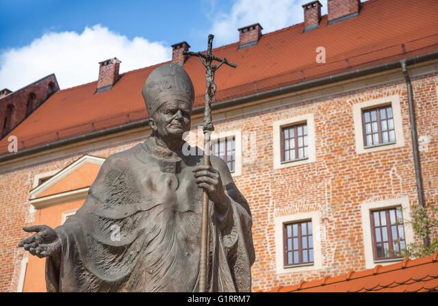 statue-of-pope-john-paul-ii-near-the-ent