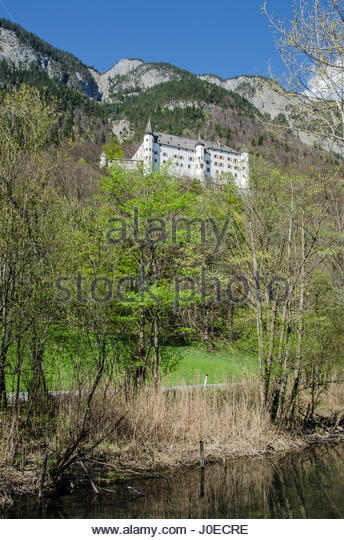 Tratzberg castle in Stans, a jewel among the castles in Austria, was built in the year 1500, high above the Inn - Stock Image