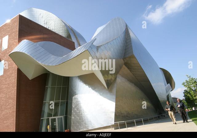 Cleveland Ohio Case Western Reserve University Weatherhead School of Management Architect Frank Gehry design - Stock Image