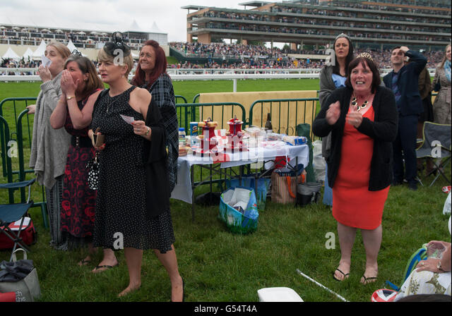 Emotions horse racing UK Royal Ascot HOMER SYKES - Stock Image