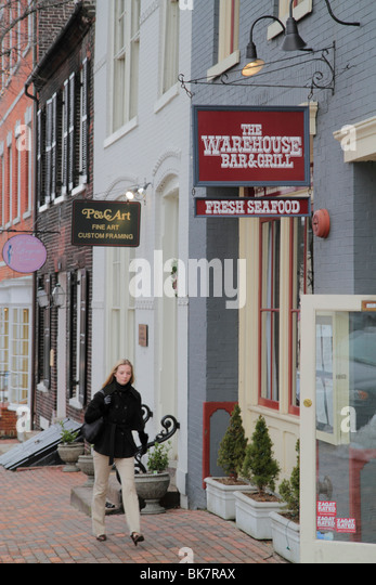 Virginia Alexandria Old Town Alexandria King Street historic district restaurant boutique shop shopping dining business - Stock Image