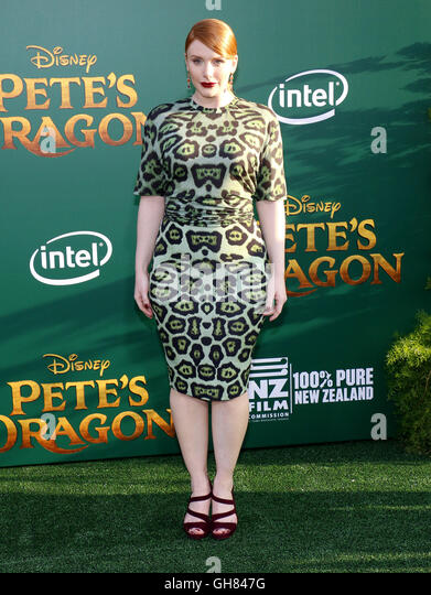 Los Angeles, USA. 8th August, 2016. Bryce Dallas Howard at the World premiere of 'Pete's Dragon' held - Stock-Bilder
