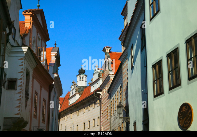 Cesky Krumlov Chateau with cobbled street Czech Republic - Stock-Bilder