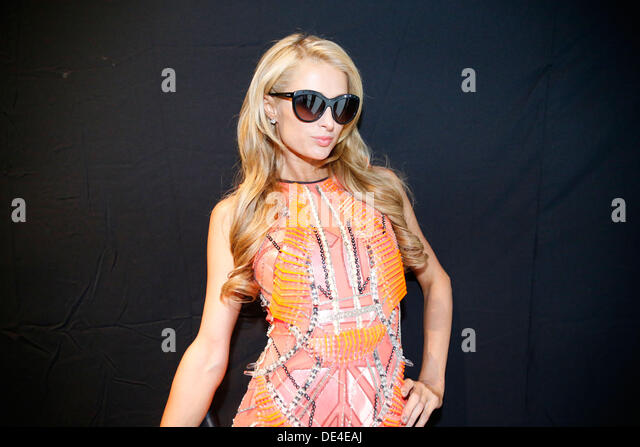 New York, NY, USA. 10th Sep, 2013. Paris Hilton at MBFW in New York City. Credit:  Scott Houston/Alamy Live News - Stock-Bilder