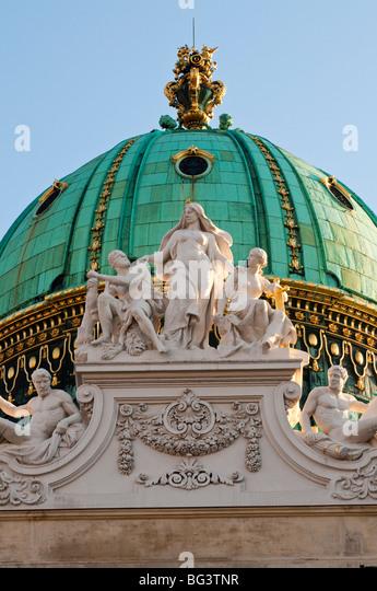 Michaelerkuppel, Hofburg, Wien, Österreich | Michael dome, Hofburg, Vienna, Austria - Stock Image