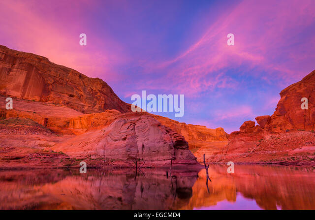 Lake Powell is a reservoir on the Colorado River, straddling the border between Utah and Arizona (most of it, along - Stock Image