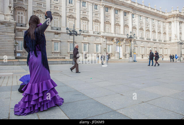 Madrid, Spain - february 26, 2017: Flamenco dancer performing in front of Royal Palace, Madrid, Spain - Stock Image