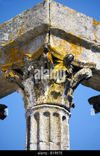 Corinthian fluted granite column with ornate capital, Temple of Diana, Evora, Alentejo, Portugal, Europe - Stock Image