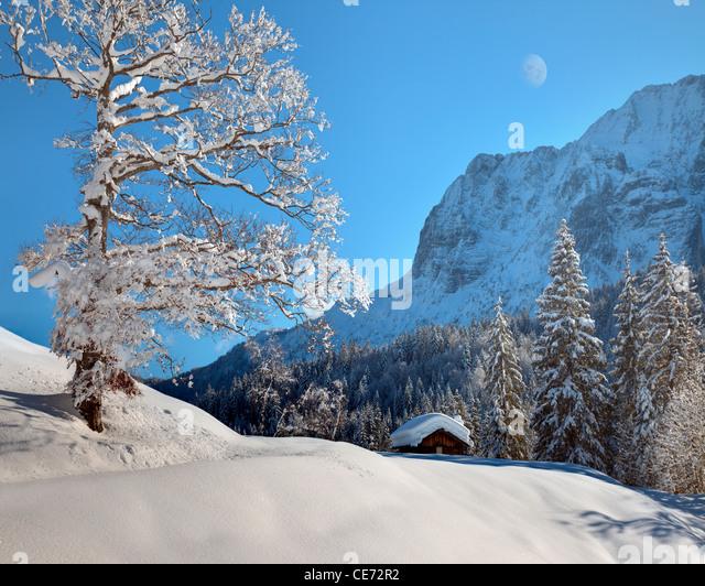 DE - BAVARIA: Wintertime in the Karwendel Mountains - Stock Image