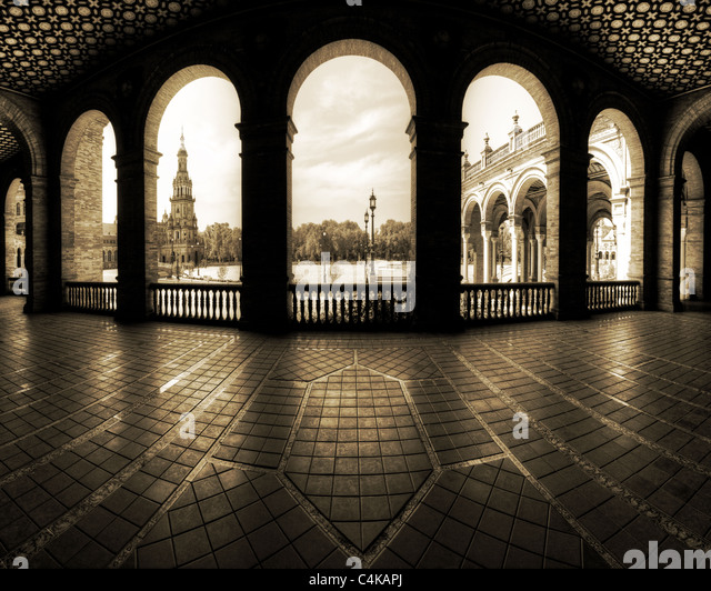 ES - ANDALUSIA: Seville's famous Plaza de Espana - Stock-Bilder