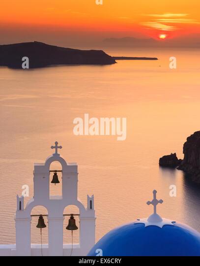 Aghioi Theodoroi church at Firostefani on Santorini one of  Cyclades islands in Aegean Sea, Greece. - Stock-Bilder