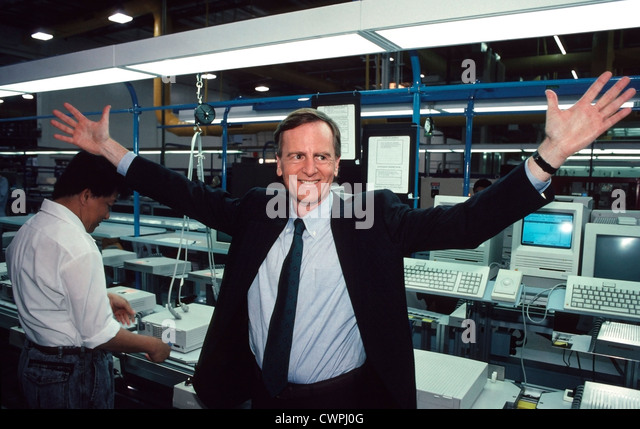 John Sculley, Apple CEO from 1983 until 1993, welcomes media to the Apple Fremont,CA, assembly plant. - Stock Image