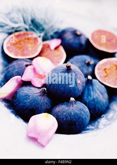catalogue 2 close-up color image detail fig fruit fruits and vegetables serving dish Swedish catalogue 4 vertical - Stock-Bilder