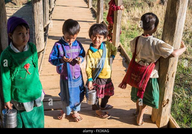 Children in a village in the Kalaw district of Myanmar - Stock-Bilder