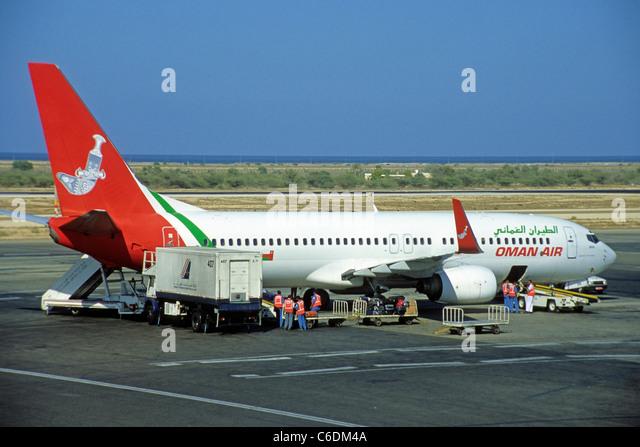 Oman Air in Parkposition am Fllughafen von Salalah,  Aircraft at the Airport Salalah, Oman air - Stock-Bilder