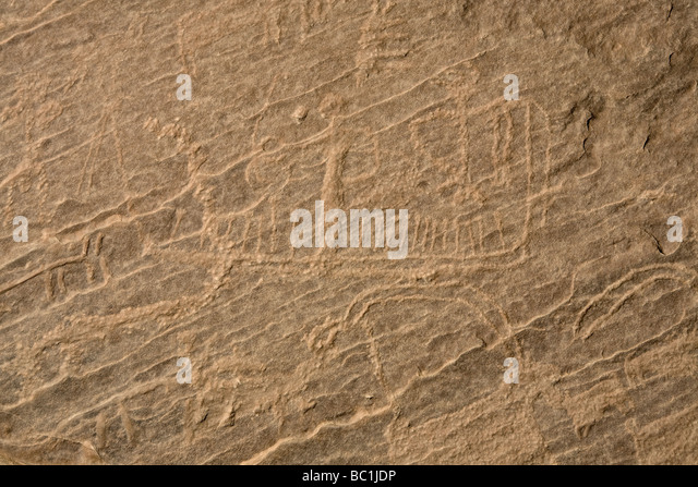 Rock-art of boats and various animals in the Eastern Desert of Egypt, North Africa - Stock Image