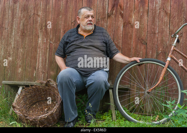 Fat Man Sitting On Bench Stock Photos Amp Fat Man Sitting On