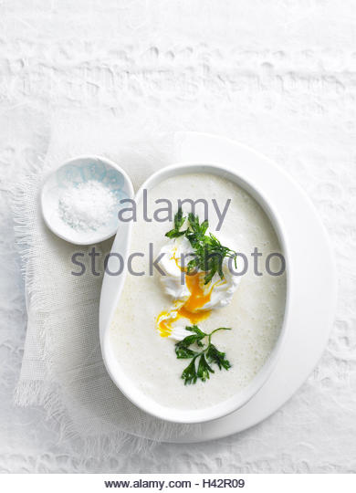 Plate, Navettensuppe, from above, food, eat, soup plate, peel, hors-d'oeuvre, soup, egg, parsley, salt, salt - Stock Image