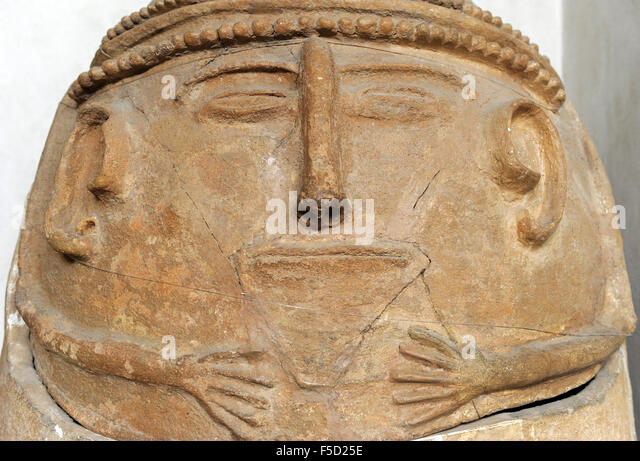 Anthropoid clay coffin. Beth Shean. 12th century BC. Detail. Rockefeller Archaeological Museum. Jerusalem. Israel. - Stock-Bilder