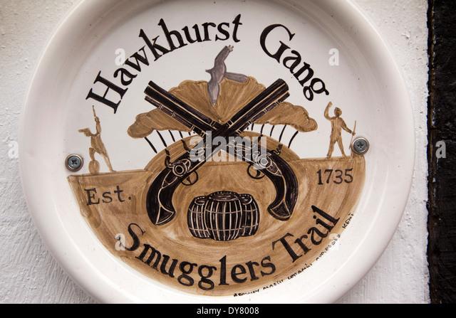 UK, England, East Sussex, Rye, historic Mermaid Inn, Hawkhurst Gang Trail plaque - Stock Image