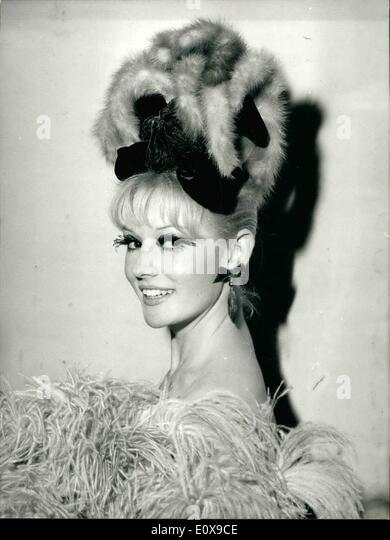 Dec. 12, 1965 - Hair Styles For Holidays: Hairdos designed by Paris hair stylist Antonio for the coming holidays - Stock-Bilder