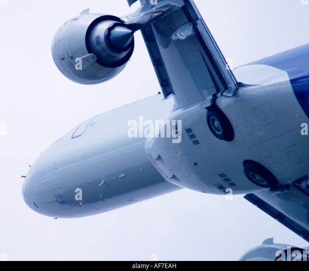 Aeroplane flying close up - Stock Image