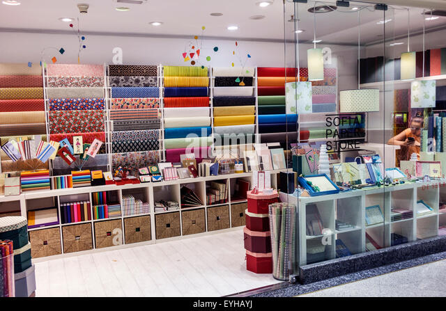 Stationery shop spain stock photos stationery shop spain for Calle el jardin