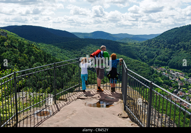 Family on the lookout of Burg Trifels Castle near Annweiler am Trifels, German Wine Route, Rhineland-Palatinate, - Stock Image