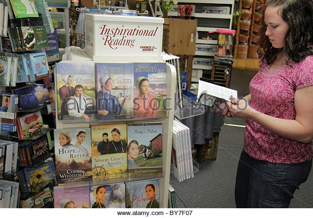 Pennsylvania Strasburg Dutch Country Hershey Farm business country store gift shop woman young adult book paperback - Stock Image