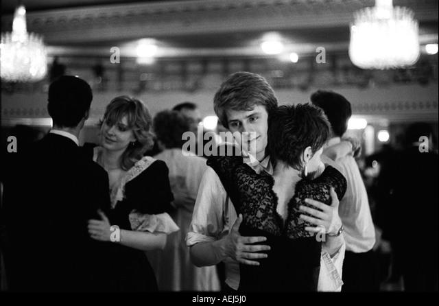 Rose Ball Grosvenor House Hotel, Park Lane,  London England 1982.  HOMER SYKES - Stock-Bilder